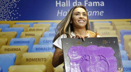 Marta é homenageada na Calçada da Fama do Maracanã