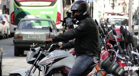 Prefeito diz que é justo cobrar estacionamento de motos nas ruas de Pará de Minas