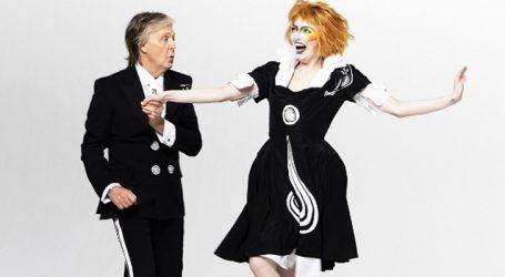 Paul McCartney lança clipe com Emma Stone. Assista