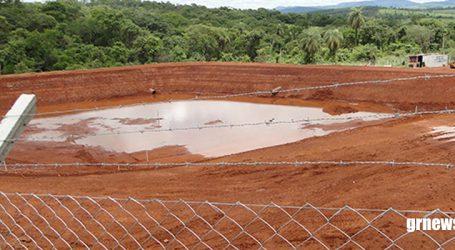 Águas de Pará de Minas constrói reservatório para armazenar água bruta perto da Pio Canedo