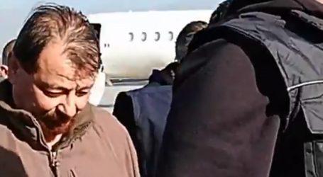 Battisti ficará um ano isolado em prisão na Sardenha